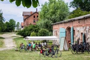 Sommerstimmung auf der Terrasse der Crêperie